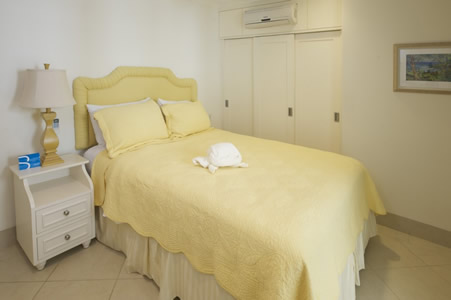 110 Palm Beach Apartment, Hastings - Barbados | Fleewinter