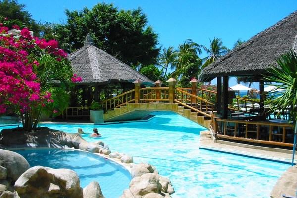 Coco Beach Island Resort Puerto Galera Fleewinter