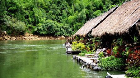 Jungle_Raft_Hotel_Kanchanaburi_Thailand_hotel_FBB003