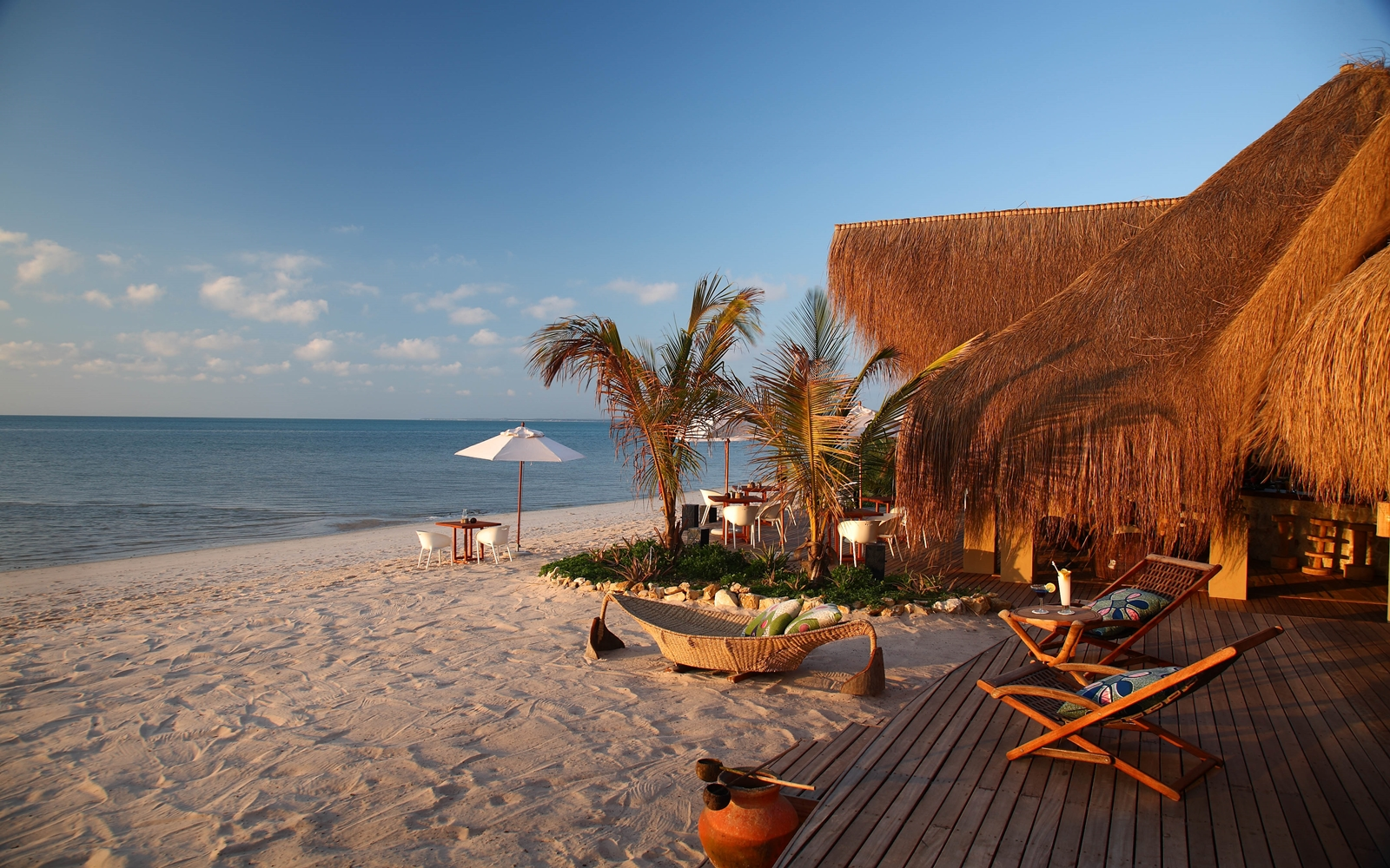 Mozambique beaches fleewinter tailor made holidays for Small luxury beach hotels