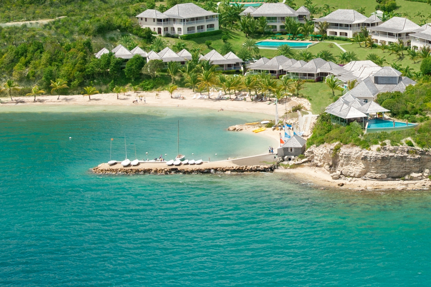 Antigua beach Resort |Fleewinter