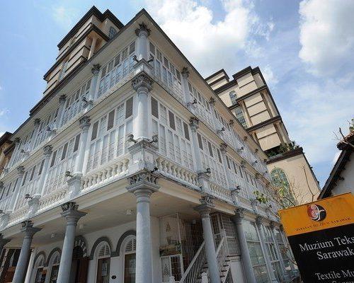kuching-sarawak-textile-museum
