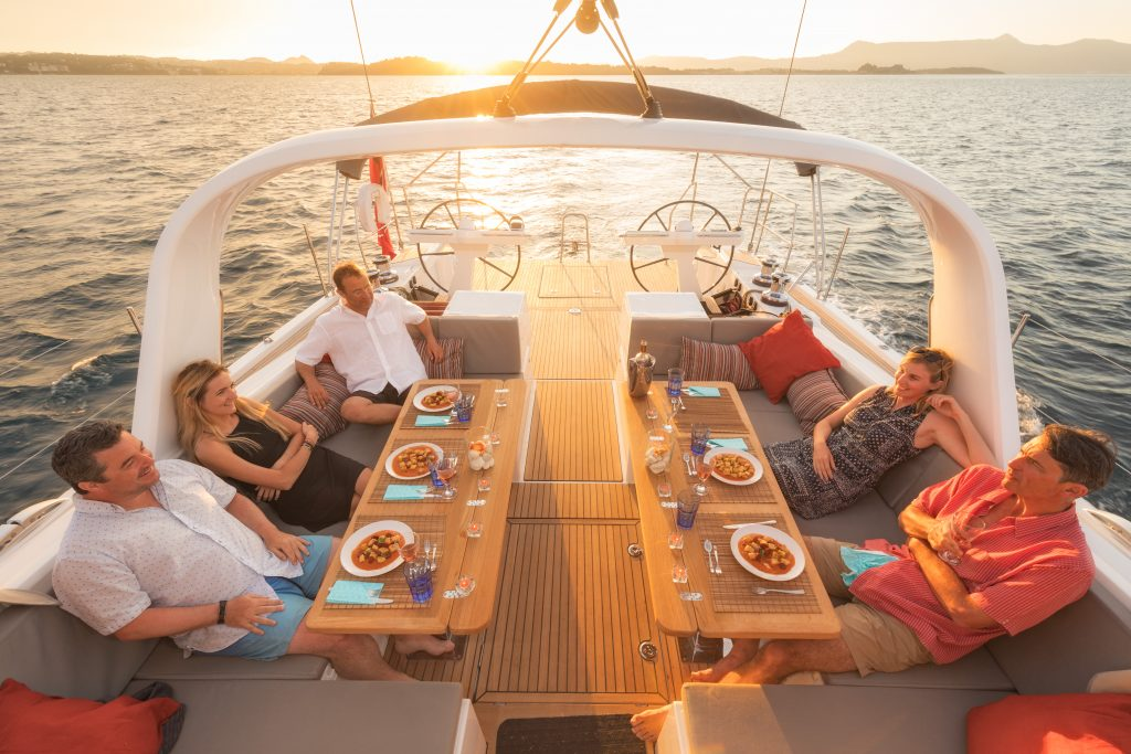 cabin charter lunous