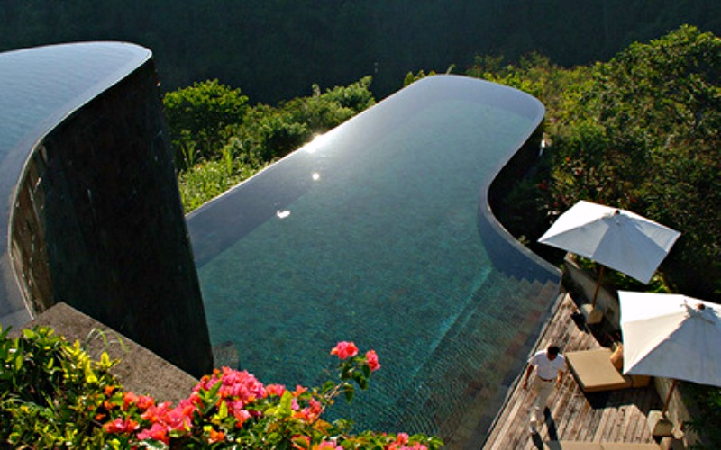 10 of the Best Swimming Pools in the World