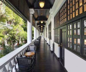 raffles-singapore-verandah